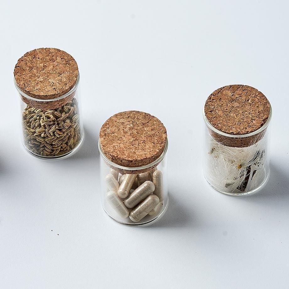De samengestelde supplementen van Total Gut Health bevatten spijsverteringsenzymen, probiotica, prebiotica en andere voedingsstoffen